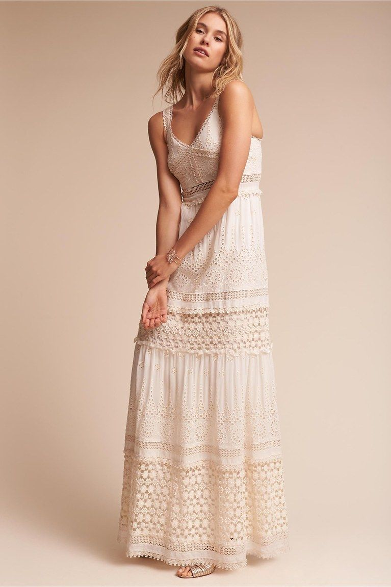 23 Chic and Casual Dresses for a Backyard Wedding ...