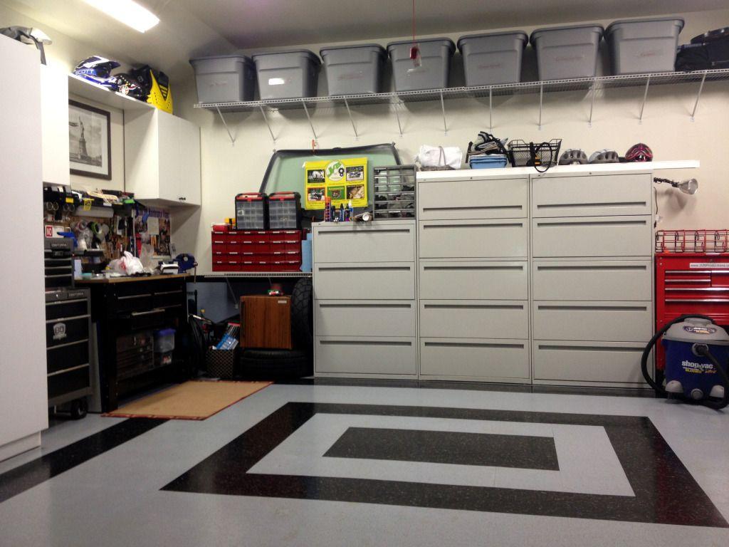 Solutii Practice De Organizare A Garajului Raft Metalic Cutii De Plastic Si Altele Savo Garage Wall Shelving Garage Cabinets Ikea Garage Storage Cabinets