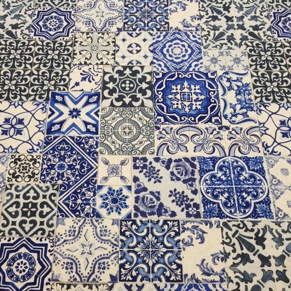 tissu de coton azulejos fond lin motif carreaux de ciment tons bleus cuisine kitchen. Black Bedroom Furniture Sets. Home Design Ideas