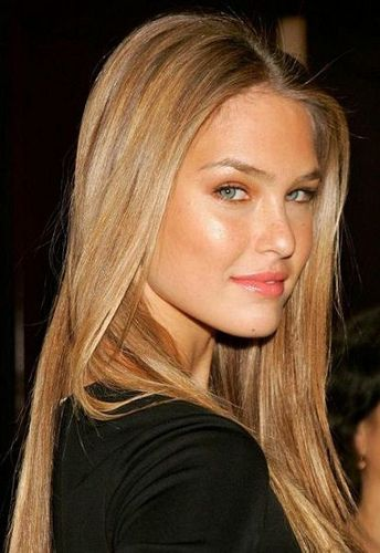 Acik Karamel Sac Renkleri In 2020 Dark Blonde Hair Blonde Hair Color Foam Hair Color
