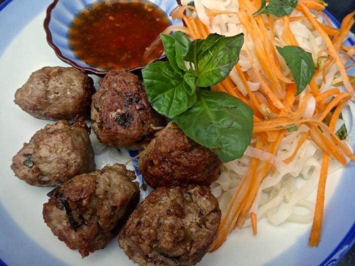 Sous Vide Thai Pork Balls with Noodle Salad http://buff.ly/1GvwN4Z #sousvide #recipes