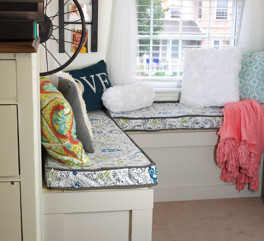 Tips For Making A Box Cushion Cover With Piping Create And Babble Sewing Cushions Covers Window Seat Cushions Seat Cushion Covers