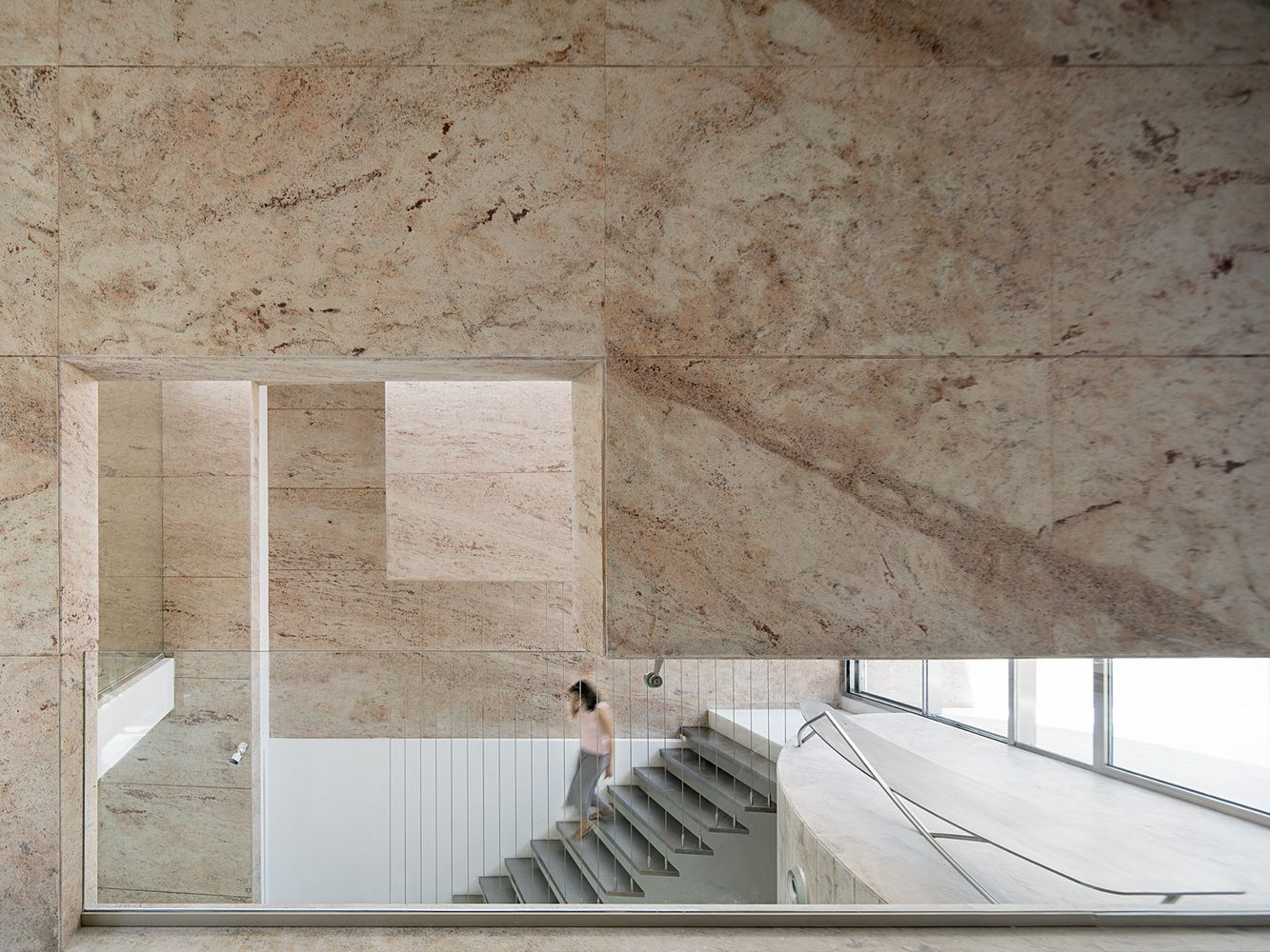 Gallery Of Office 543 Charged Voids 4 In 2020 Space Architecture Modernist Architects Building Exterior
