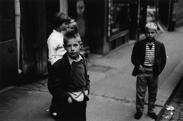 Gunnar Smoliansky es un gran fotógrafo sueco quien retrató espectaculares imágenes de Estocolmo en blanco y negro, durante la década de los 50.