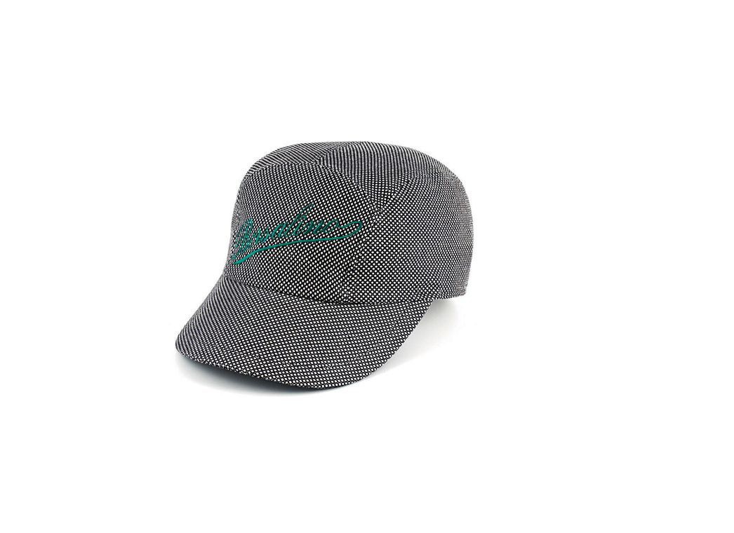 Jaquard cotton cap with embroidered logo in contrast.