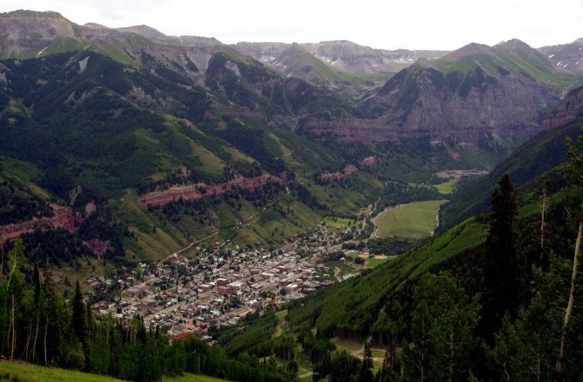 11 Western Towns Say Coal Companies Are Cheating Taxpayers Out Of Billions by Samantha Page CLIMATE PROGRESS The old mining town of Telluride, Colo., is pictured nestled in a valley from the top of Mount St. Sophia, in this July 17, 2001, file photo.