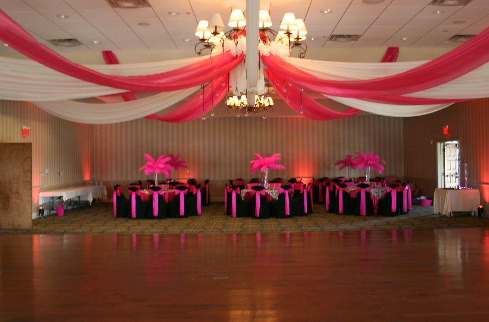 Saving tips for a sweet sixteen or quincea era party for Quinceanera decorations