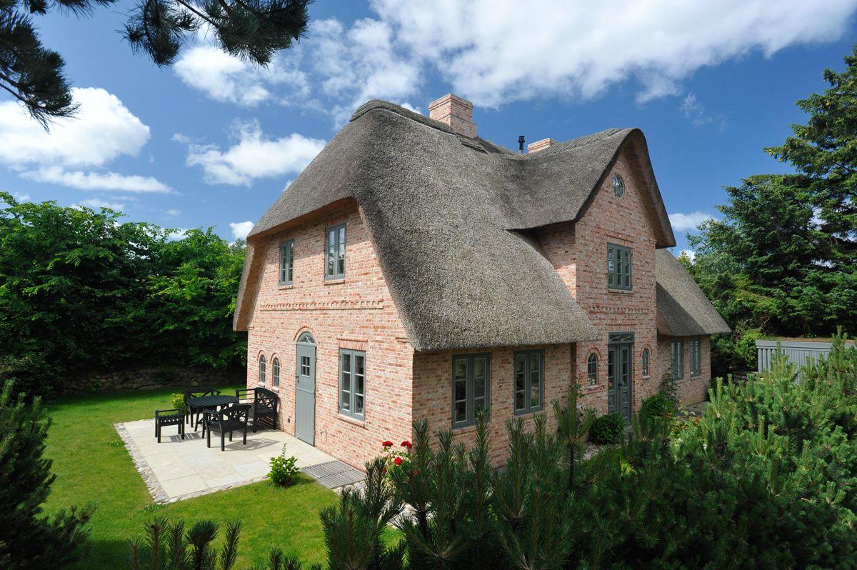 Sehr Fassade Klinker rot Sprossenfenster Sylt Reetdach | interior LH54