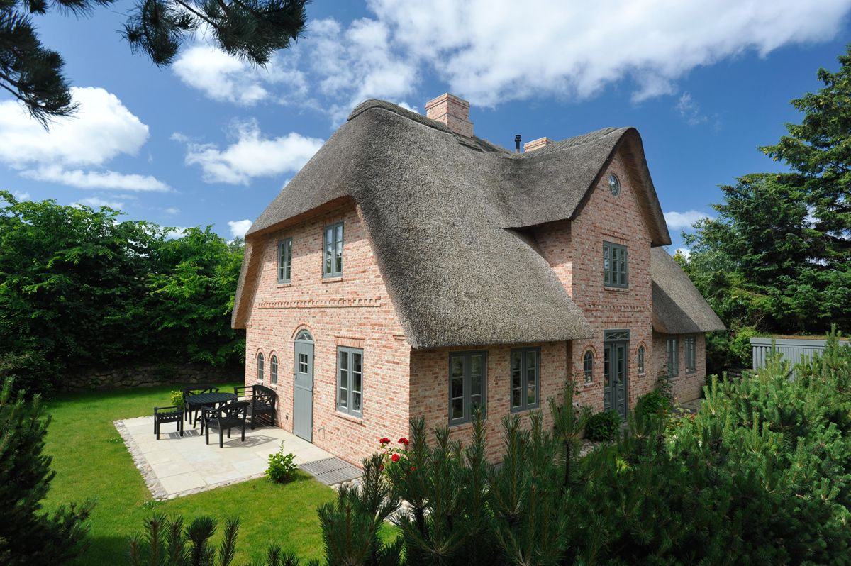 fassade klinker rot sprossenfenster sylt reetdach garden outdoor pinterest bricks and. Black Bedroom Furniture Sets. Home Design Ideas