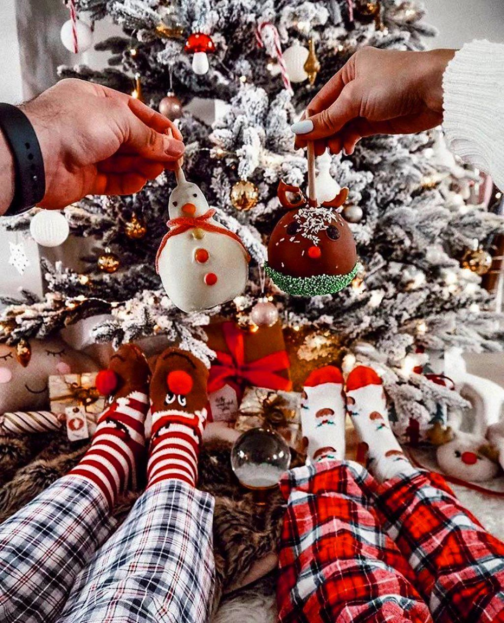 Christmas Santaclaus Winter On Instagram When Christmas Comes Too Town 126 Day In 2020 Christmas Gifts For Girlfriend Christmas Celebrations Christmas Spirit
