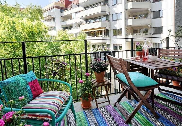 Tapis ext rieur et d 39 autres rev tements pour le balcon balkon bah e pinterest balcones - Tapis rayures multicolores ...