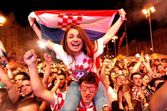 Bola suporter elok piala dunia 2014 kroasia world cup 2014 bola suporter elok piala dunia 2014 kroasia stopboris Choice Image