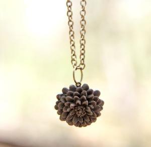 Deep Brown Chrysanthemum Flower Necklace Vintage Inspired - Espresso | Luulla