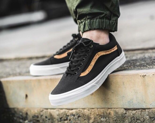 fffb8818df Vans Old Skool  Black Cork