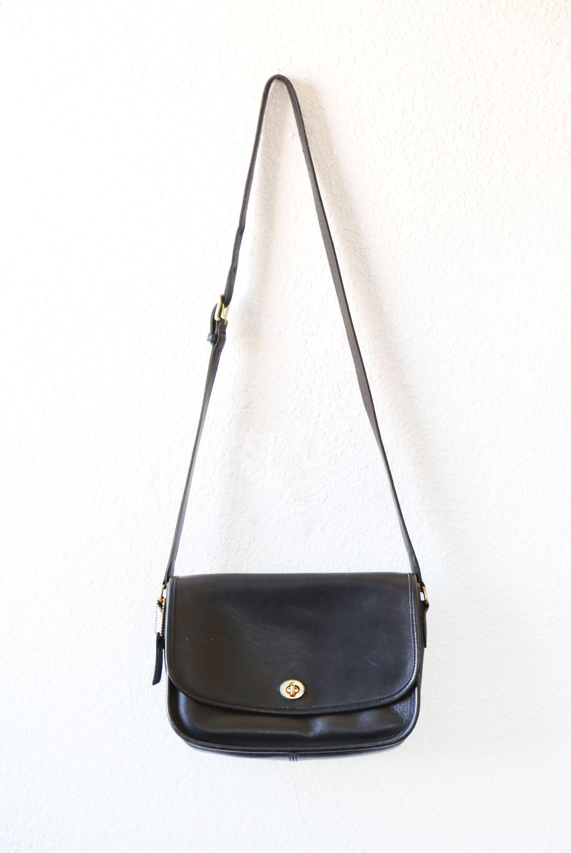 vtg coach bag black leather coach crossbody purse bolsos bags rh pinterest com