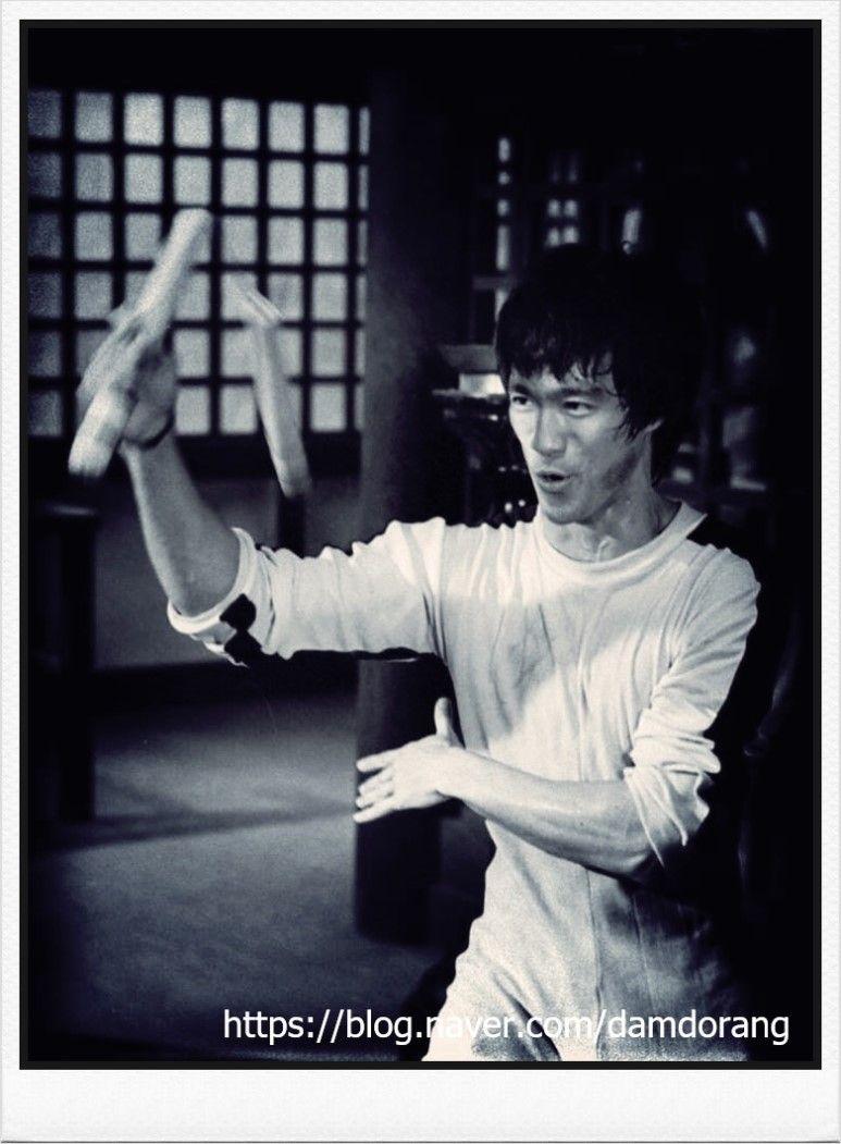 사망유희 이소룡 Bruce lee quotes, Bruce lee, Martial artist