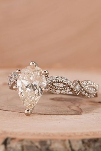 We Dare You Not To Love These 24 Vintage Engagement Rings - Reverie 0d33f086b16