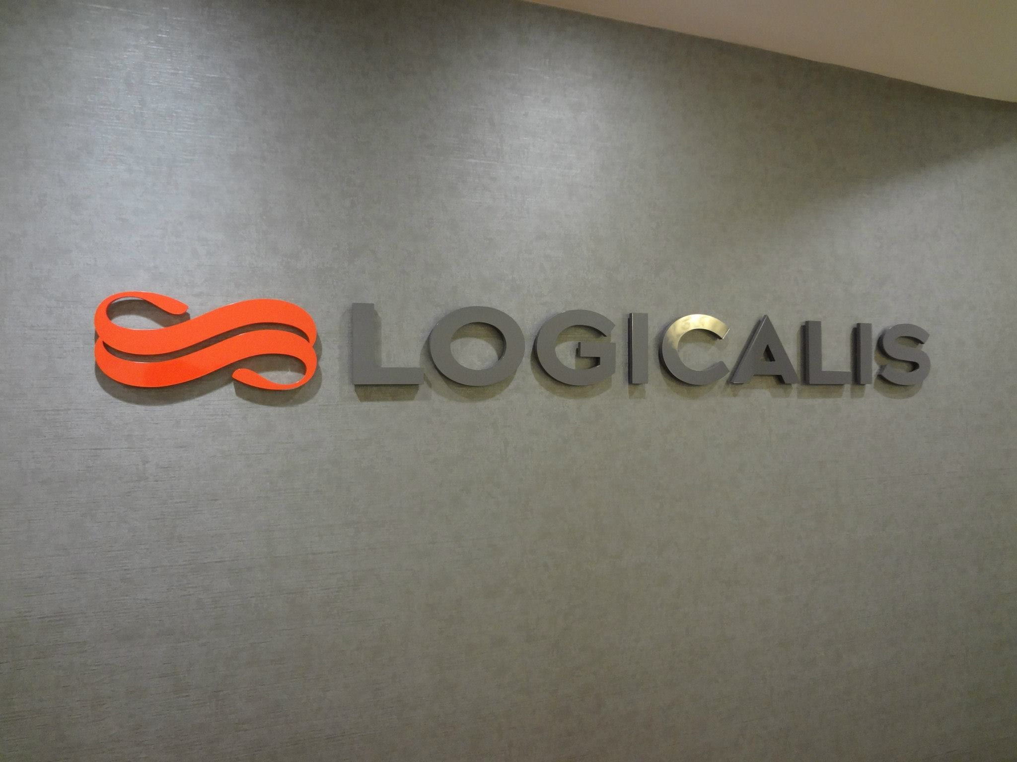 Pin On Lobby Wall Sign Nyc Www Signsvisual Com