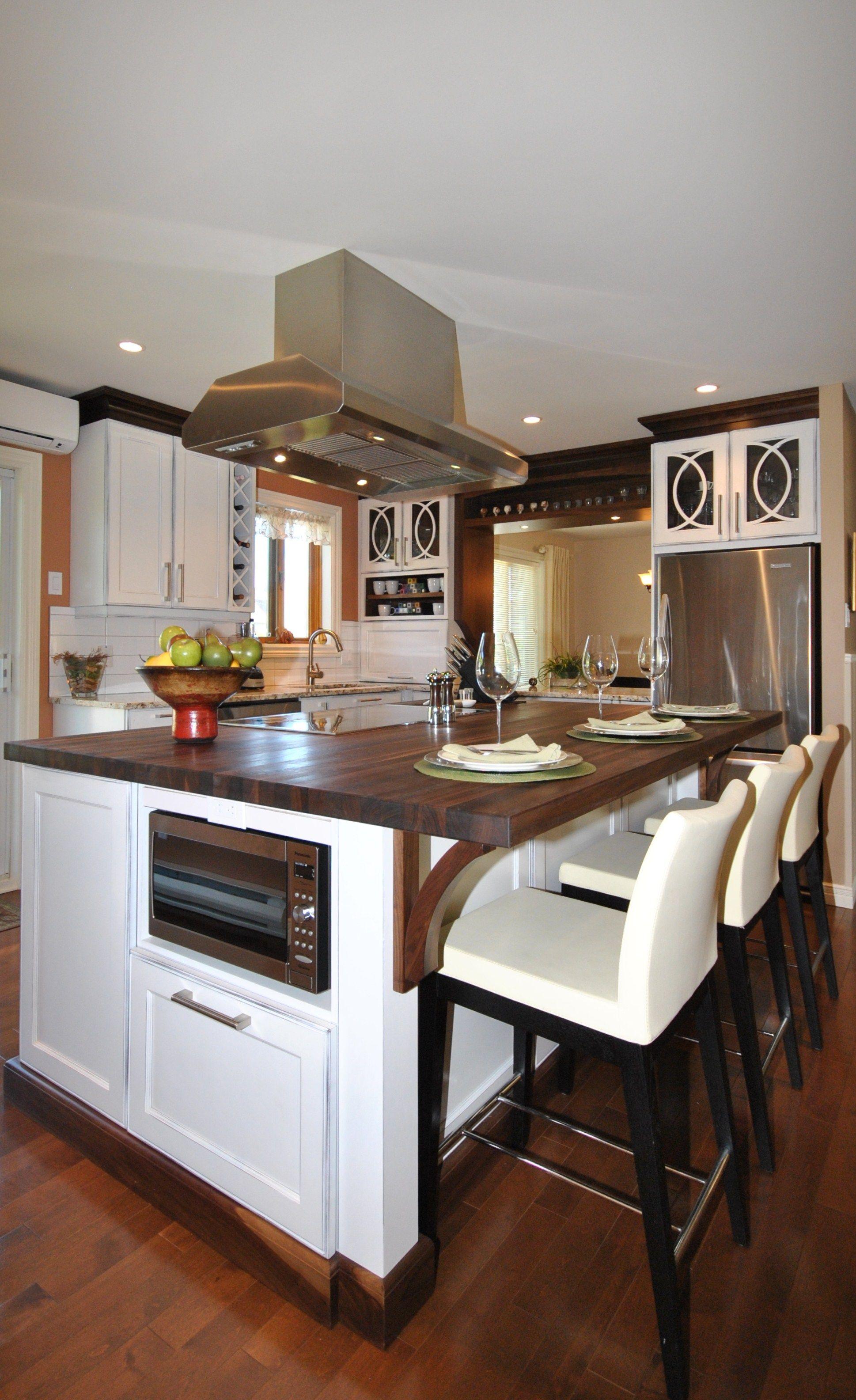 cuisine en merisier blanc laqu portes vitr es mod le poisson comptoir de noyer noir massif. Black Bedroom Furniture Sets. Home Design Ideas