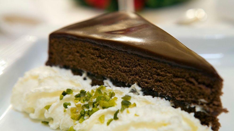 Tipp Von Melanie Michel Die Perfekte Schokoladenglasur Fur Kuchen Und Torten Br De In 2020 Kuchen Und Torten Schokoladenglasur Kuchen Glasur Fur Kuchen