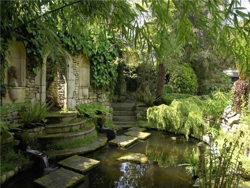 Oaklawn lodge wimbledon london secret garden london garden garden design water features for Wish garden deep lung