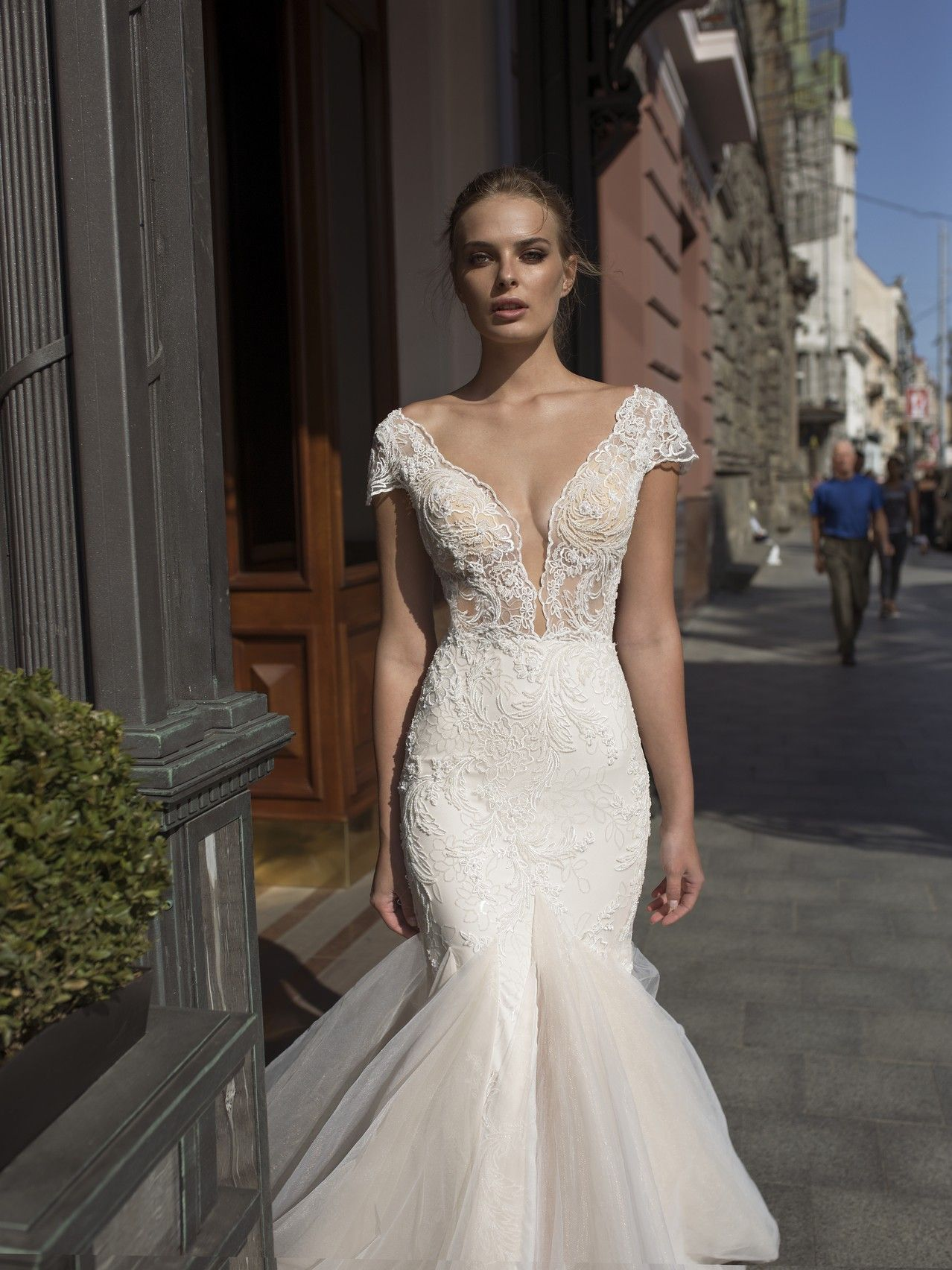 Loren Amor Collection Noya By Riki Dalal The Boutique By B Belle Events Ig B Wedding Dress Necklines Plunging Neckline Wedding Dress Fitted Wedding Dress