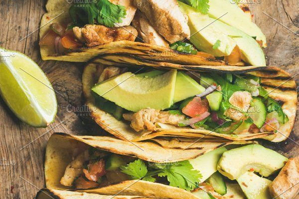 Tacos with grilled chicken, avocado, fresh salsa and limes - Food & Drink - 1 #chickenfoodrecipes #grilledchickenparmesan
