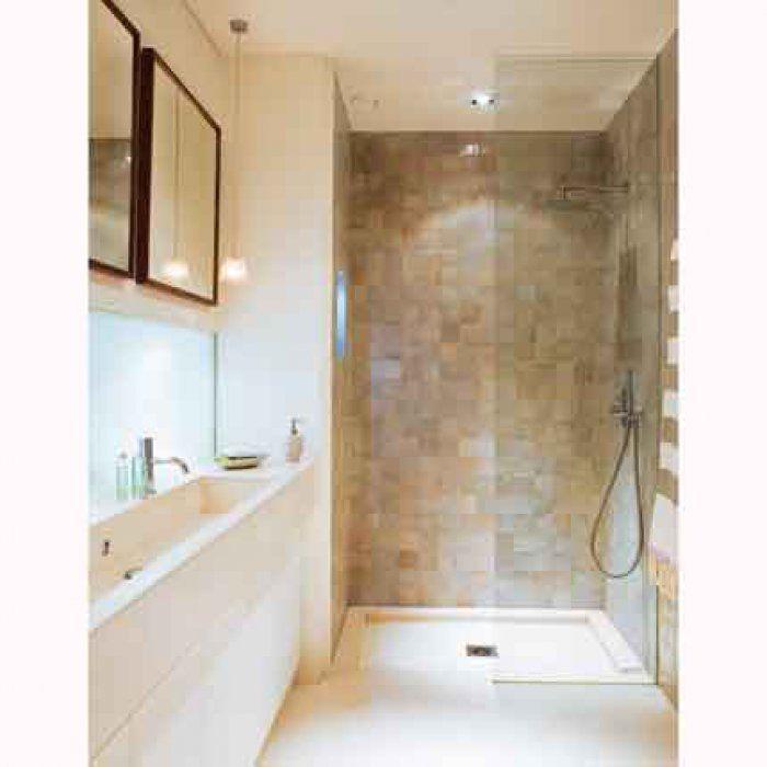 une salle de bain en carrelage tout en longueur id es. Black Bedroom Furniture Sets. Home Design Ideas