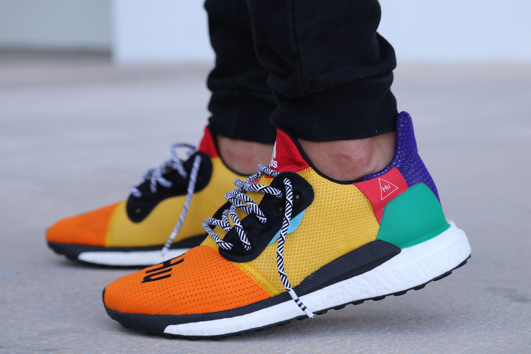 On Glide Look X St Adidas An Pharrell The Foot Hu At Solar CdeoxQrBWE