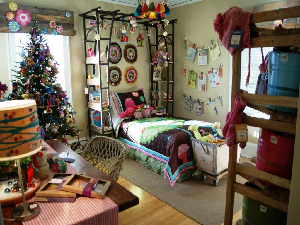 Decor Hippie Room Decor With A Shelf Near The Bed Christmas Decorations And  Spruce Wicker Chairs Carpet Scrapbook Table Blinds And Shutters Really  Hippie ... Part 25