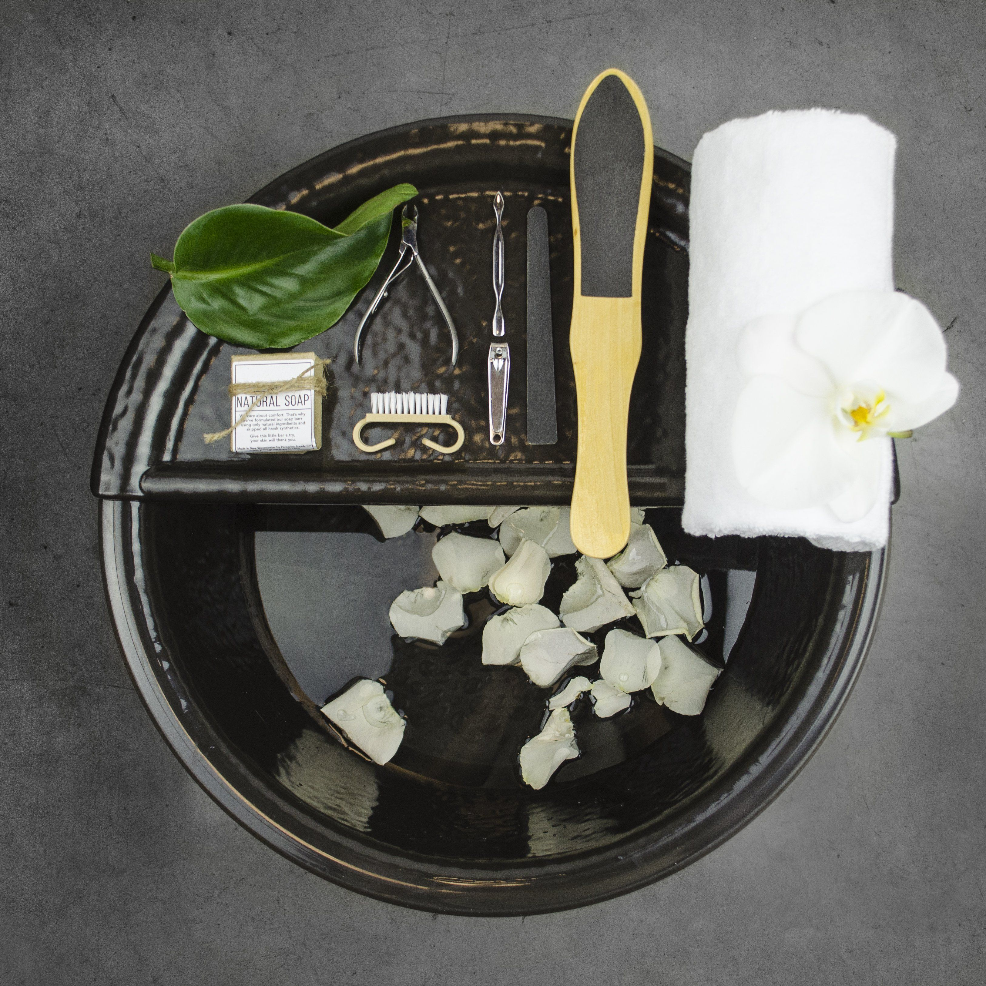 Pedicure Bowls and Manicure Bowls for the most stylish stylist station