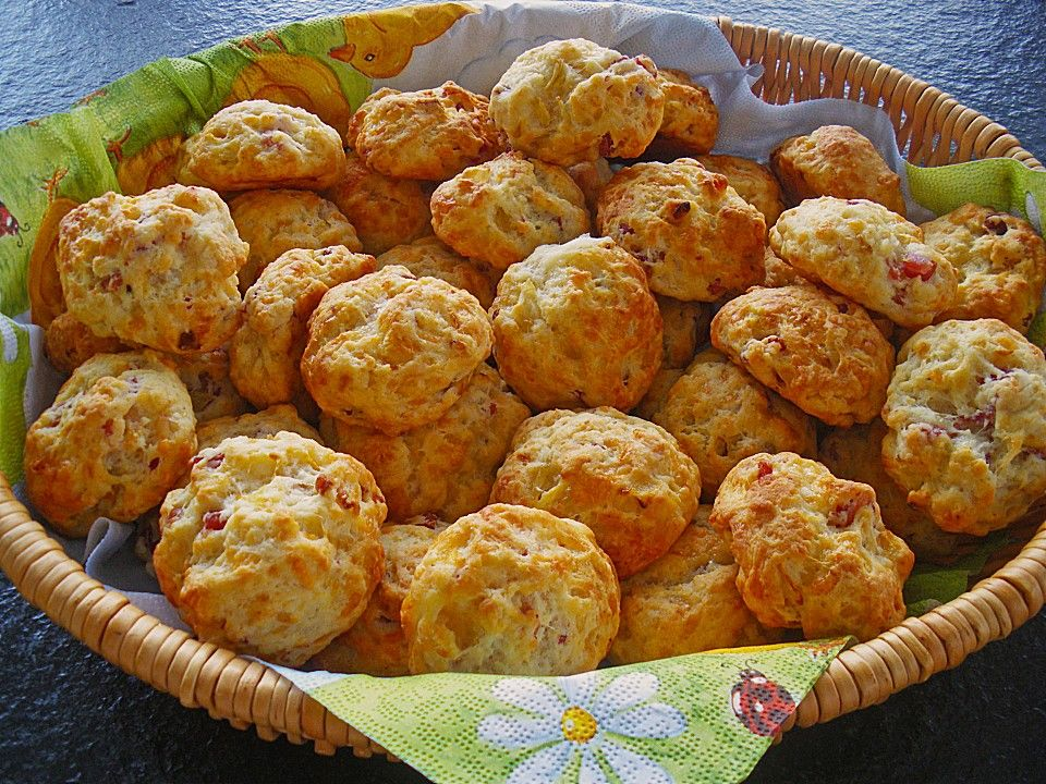 Mini - Partybrötchen, ein sehr leckeres Rezept aus der Kategorie Brot und Brötchen. Bewertungen: 19. Durchschnitt: Ø 4,3. #partyappetizers