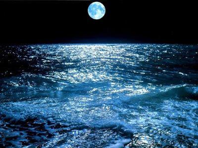 صور البحر 2020 خلفيات بحر وسفن للفوتوشوب Ocean At Night Beautiful Moon What Element Are You