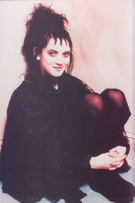 lydia deetz beetlejuice hair reference for halloween costume sc 1 st pinterest