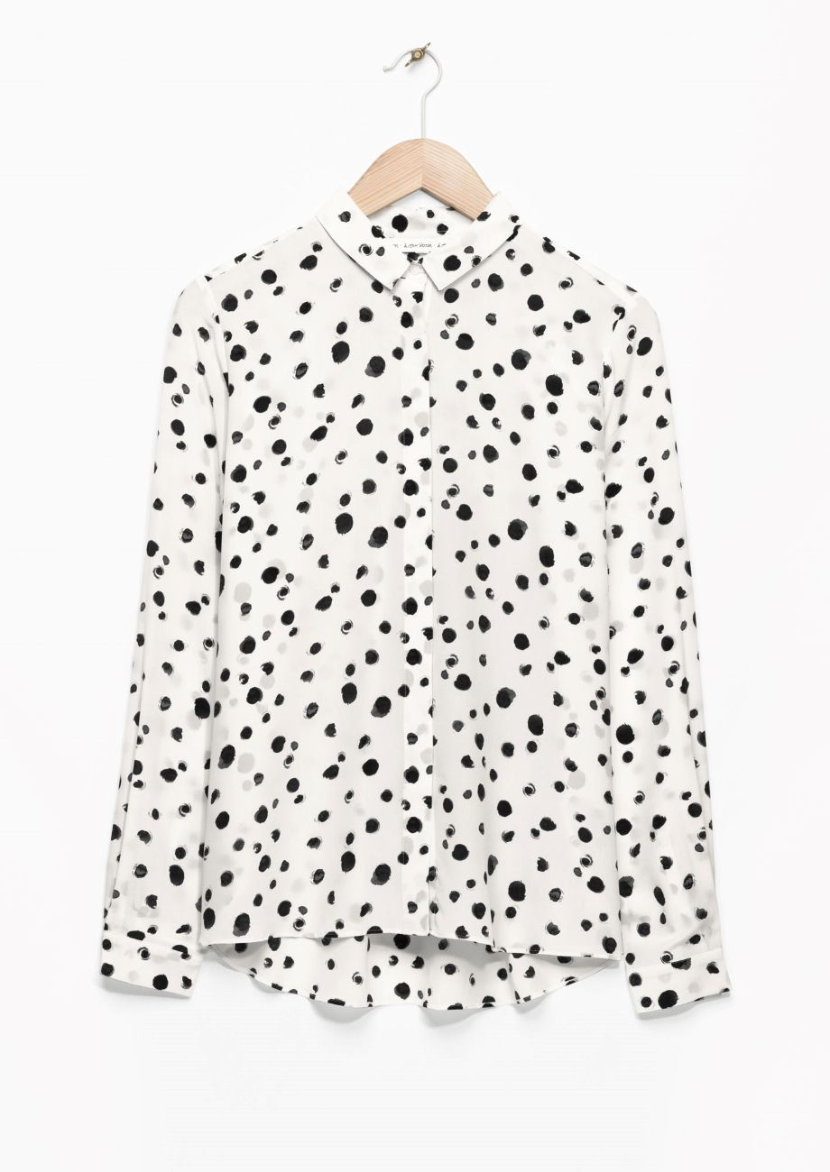 573c7f55b4bb2 Chic white shirt with dalmatian print  monochrome pattern fashion      Other  Stories