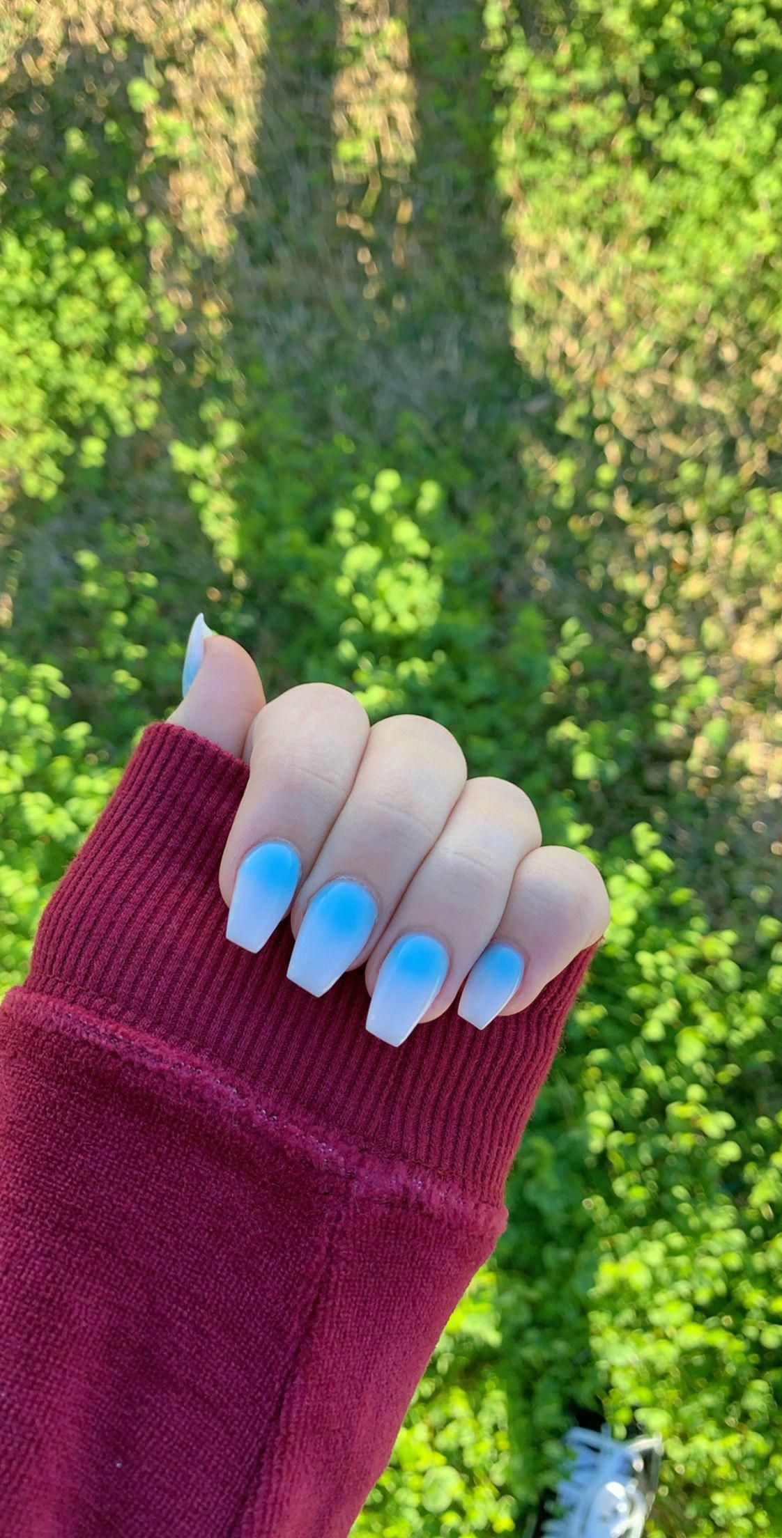 Blue To White Fade Acrylic Nails Coffin Shape Fade Nails Blue Nails Nailscoffin In 2020 Faded Nails Blue Acrylic Nails White Acrylic Nails