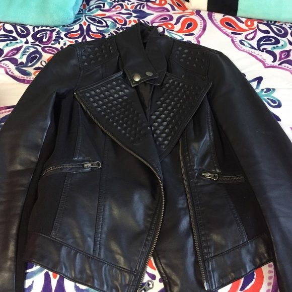 Super cute leather jacket Really cute studded leather jacket!! Perfect for a night out! Rock & Republic Jackets & Coats