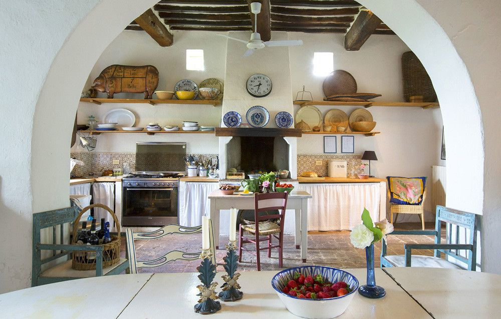 Arniano, Chianti And South Of Siena   Sleeps Up To With Sumptuous Views  From The Exceptional Swimming Pool Area, This Is A Wonderfully Welcoming  Rural ...