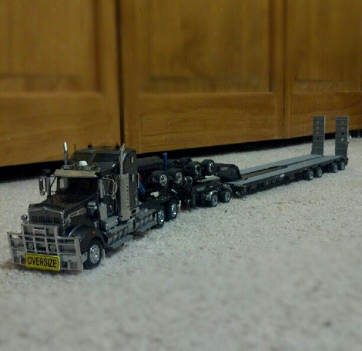 TWH 1:50 scale Kenworth T908 with Drake Swingwing trailer