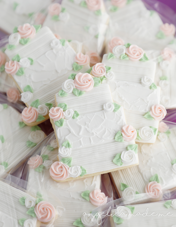 Cookie wedding favors. Hand decorated sugar cookies made