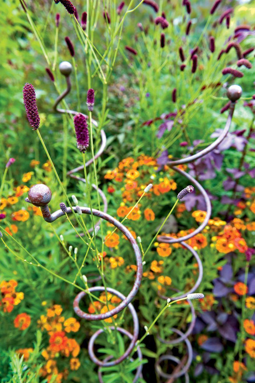 Jardin Spiral Stem Flower Supports Set Of 3 Gardener S Supply Garden Supplies Plant Supports Garden Edging