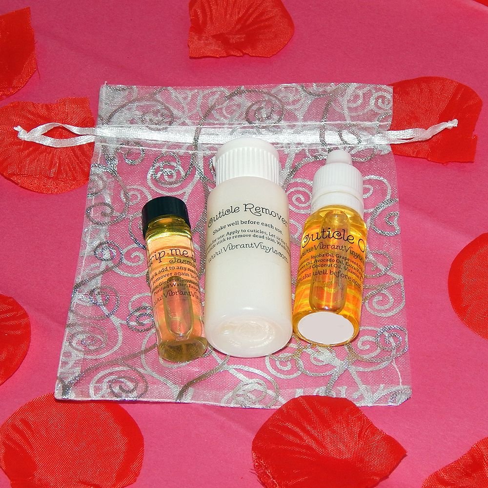 'Love Your Nails' Gift Set includes Strip Me Softly acetone additive, Cuticle Remover, and Cuticle Oil in your choice of scents. - Vibrant Vinyls