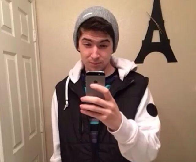 Aleks' selfies are bae  | Aleks ♥ | Cow chop, Smile