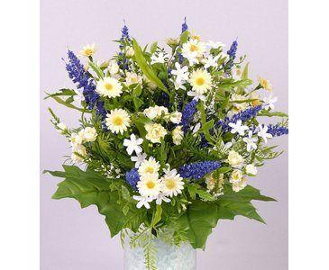 Lavendel Und Ganseblumchen Brautstrauss Und Blumendeko Bouquet