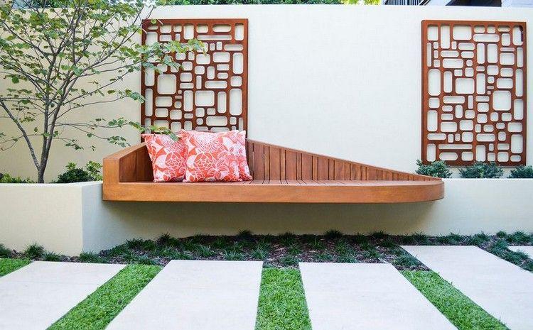 d coration mur ext rieur en acier corten ajour et banc en bois massif house design topics 1. Black Bedroom Furniture Sets. Home Design Ideas