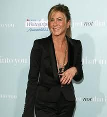 Jennifer Anniston, rocking the black suit.