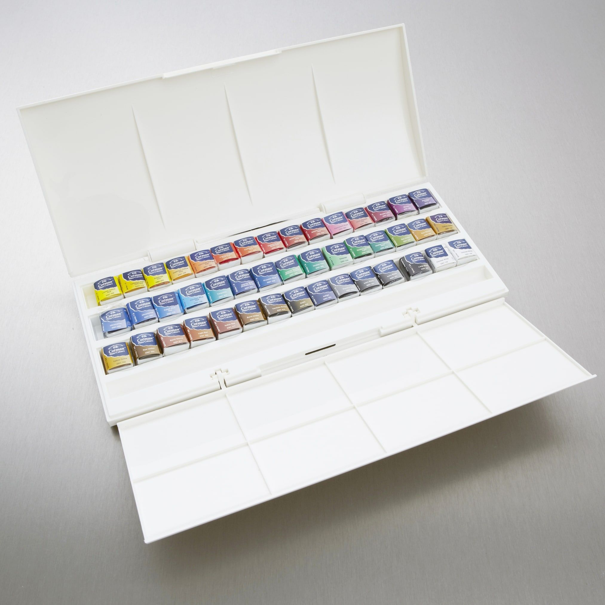 Winsor Newton Cotman Watercolour Studio Set Of 45 Half Pan