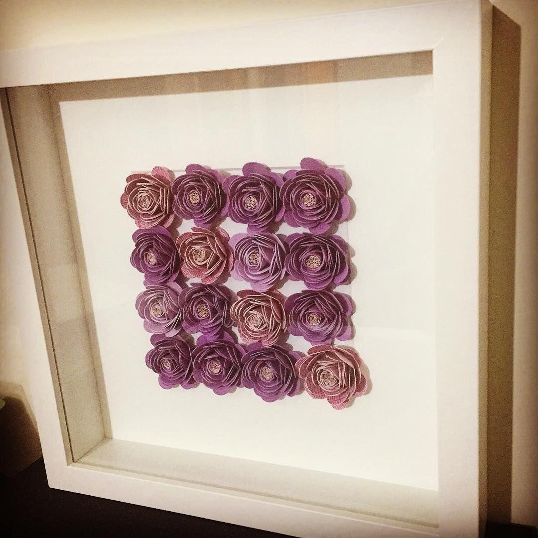 """249 Likes, 11 Comments - Flores Con Papel (@floresconpapel) on Instagram: """"Nuevos detalles de @floresconpapel 💜💜💜 #marcosdeflores #cuadrosdecorativos #miniflores #miniflowers…"""""""