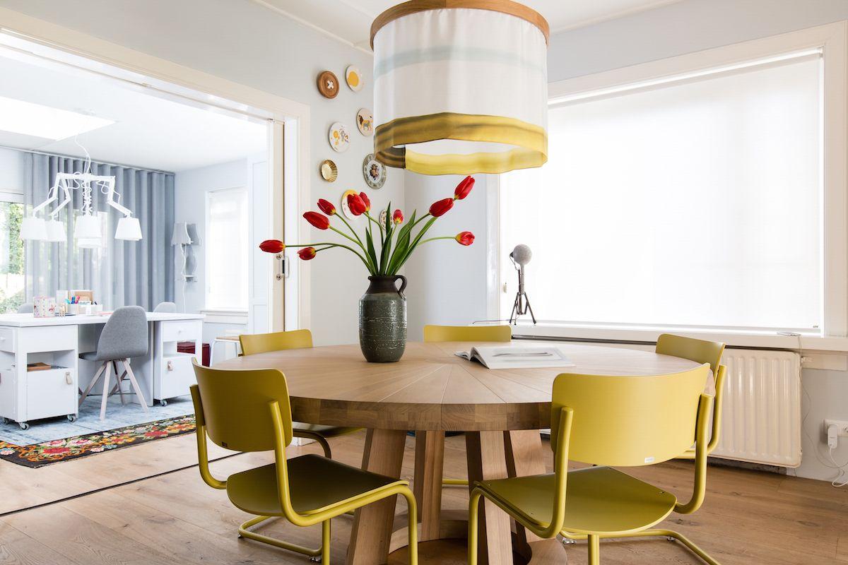 Net als de lamp in de woonkamer is deze hanglamp van de ontwerper Nicolette Brunklaus.