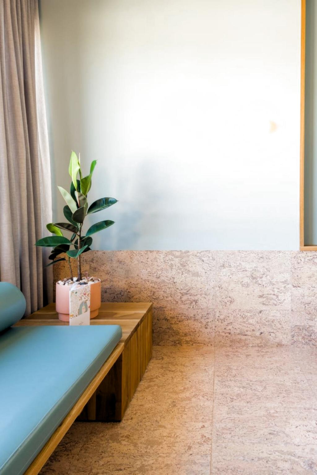 White Bathroom With Hexagonal Cork Flooring In 2020 Cork Flooring Bathroom Cork Flooring Natural Cork Flooring